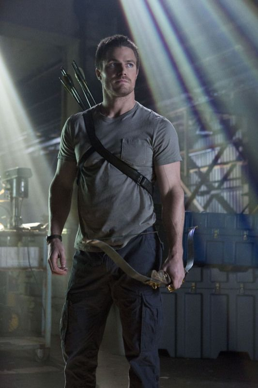 "Arrow -- ""Pilot"" -- Image AR101e-0647 -- Pictured: Stephen Amell as Oliver Queen -- Photo: Jack Rowand/The CW ©2012 The CW Network. All Rights Reserved."